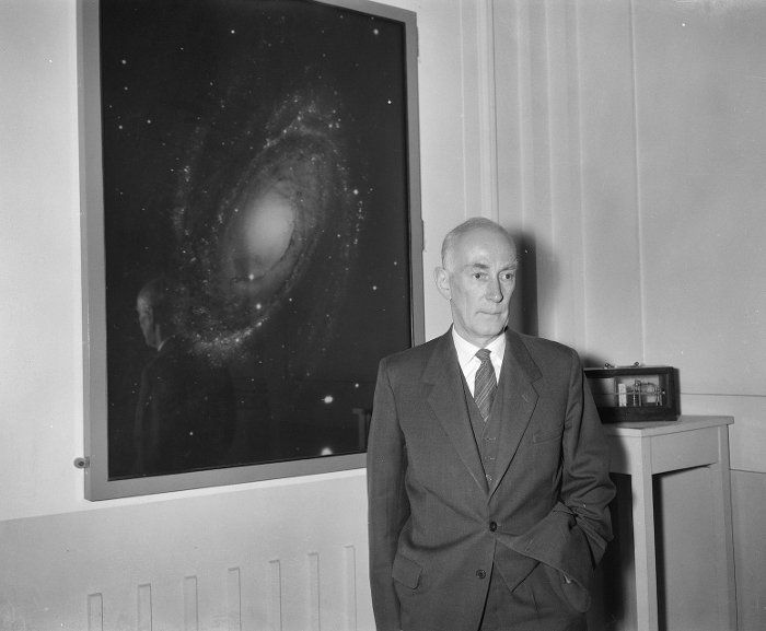 Jan Oort, professor astronomy Leiden University, in the Leiden Sterrewacht (May 1961)