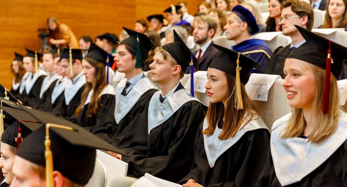 27005e2a66 ... graduation of the Class of 2018 ½ on Wednesday 6 February 2019 at  Leiden University s Wijnhaven building in The Hague. The ceremony will be  followed by ...