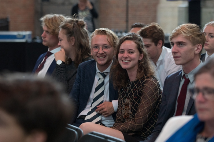 The students make their appearance in the Pieterskerk.